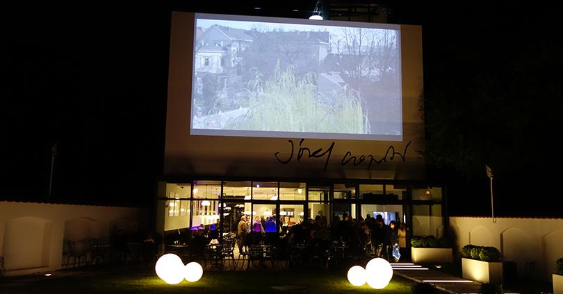 Pawilon Józefa Czapskiego nocą