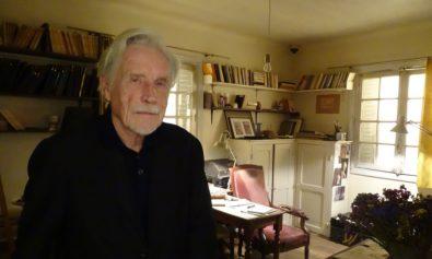Marek Tomszewski w pokoju Józefa Czapskiego, 2019