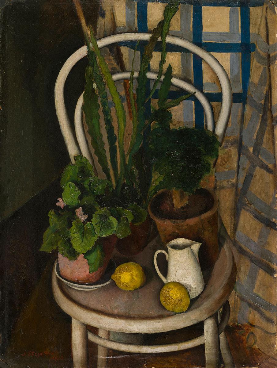 obraz kolorowy krzesło białe a na nim cytryny, dzbanek i kwiaty w doniczkach
