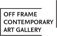 czarno białe logo galerii off frame